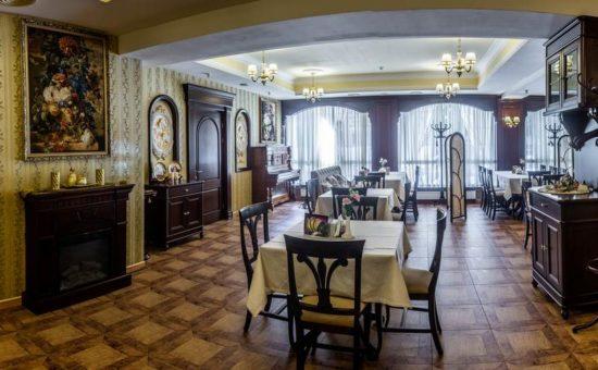 Palazzo restaurant interior