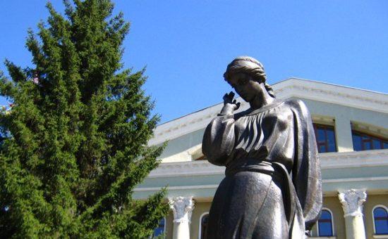 памятник Марусе Чурай, Полтава