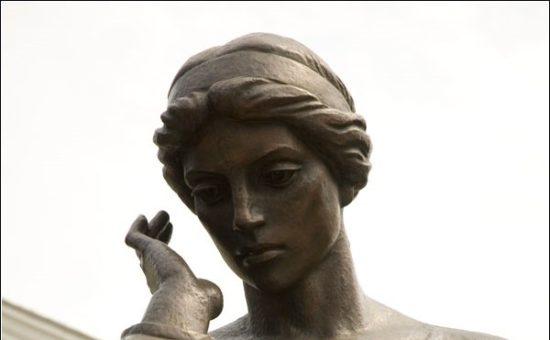 пам'ятник Марусі Чурай в Полтаві