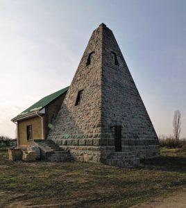 Усыпальница Билевичей в Комендатовке (Полтавщина)